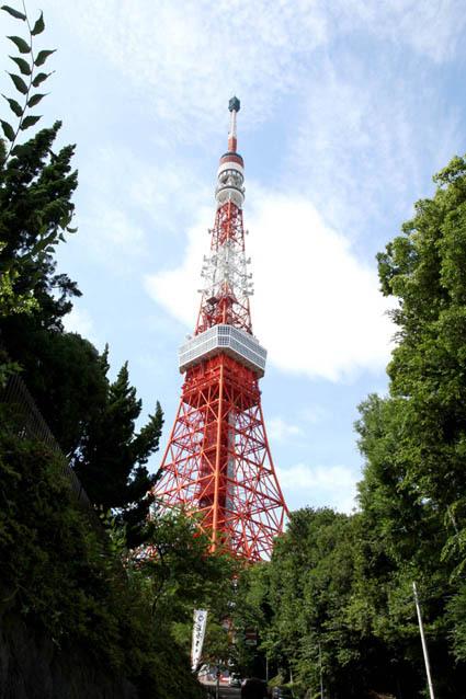 赤いタワーがずーん!