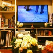 ゲーマーな女子部屋もお花飾るだけでメルヘンチック♪
