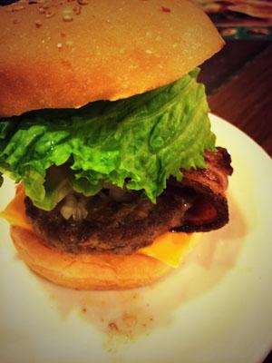 ヴィレッジヴァンガード ダイナー のハンバーガー