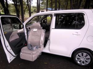 ワゴンRの座席回転シート